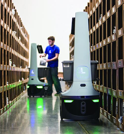 Robot kiểm soát kho hàng