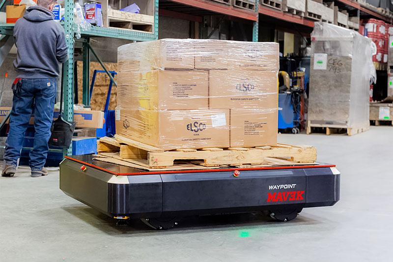<p>路点的MAV3K机器人可以向上移动3000磅的负载
